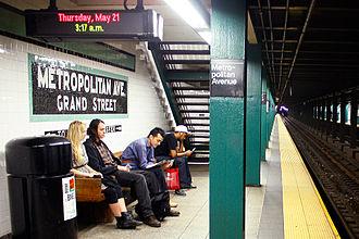 Metropolitan Avenue/Lorimer Street (New York City Subway) - Platform