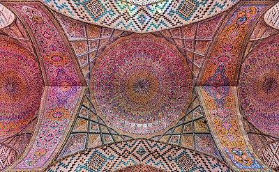 Mezquita de Nasirolmolk, Shiraz, Irán, 2016-09-24, DD 57-59 HDR.jpg