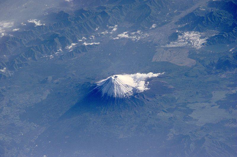 ファイル:Mt Fuji ESC large ISS002 ISS002-E-6971 3060x2035.JPG