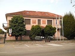 Municipio di Fenegrò.jpg