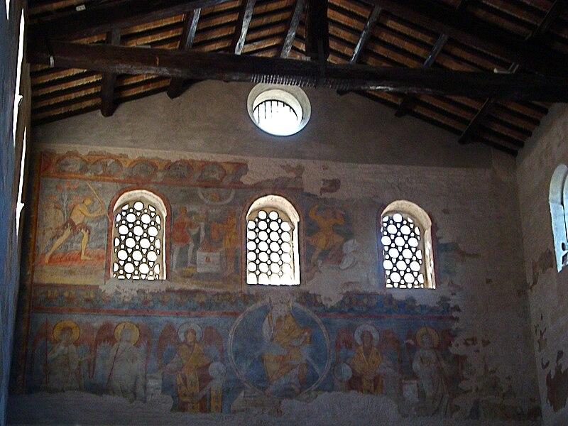 File:Mur du Narthex église San Giovanni a Porta Latina.JPG
