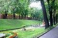 Mury miejskie w otoczeniu parku.JPG