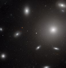[Obrazek: 231px-NGC_4874_HST.jpg]