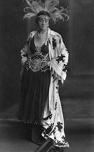 Die Csárdásfürstin - Naima Wifstrand as Countess Stasi, 1916