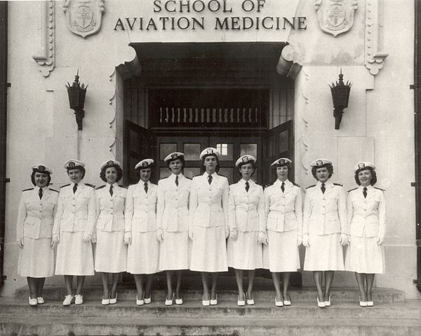Navy flight nurses at School of Aviation Medicine, 1940s