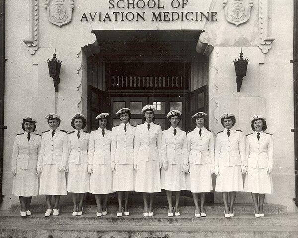 Navy flight nurses at School of Aviation Medicine, 1940s