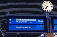 Neuer Zugzielanzeiger im Oldenburger Hauptbahnhof-20130331.jpg
