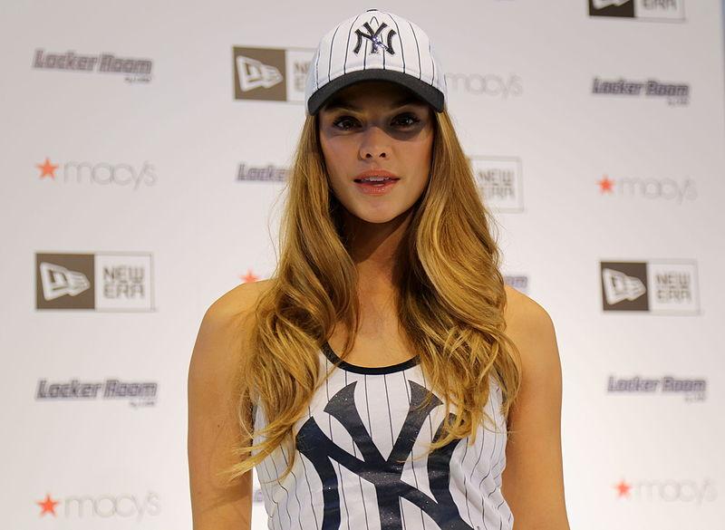 File:New Era brand ambassador Nina Agdal (26428038795).jpg
