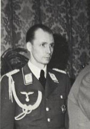 Nicolaus von Below - von Below as Luftwaffe adjutant to Adolf Hitler