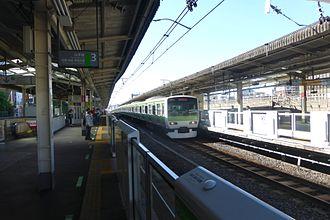 Nishi-Nippori Station - The JR East platforms, June 2015