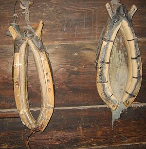 Horse collar - Two horse collars, with hames