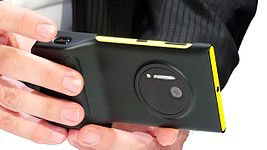 Nokia Lumia 1020 with PD-95G.jpg