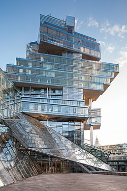 Nord-LB office building tower east side Hanover Germany 01.jpg