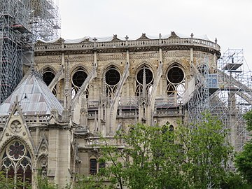 Notre-Dame - 2019-05-16 - Apse from the south 01.jpg
