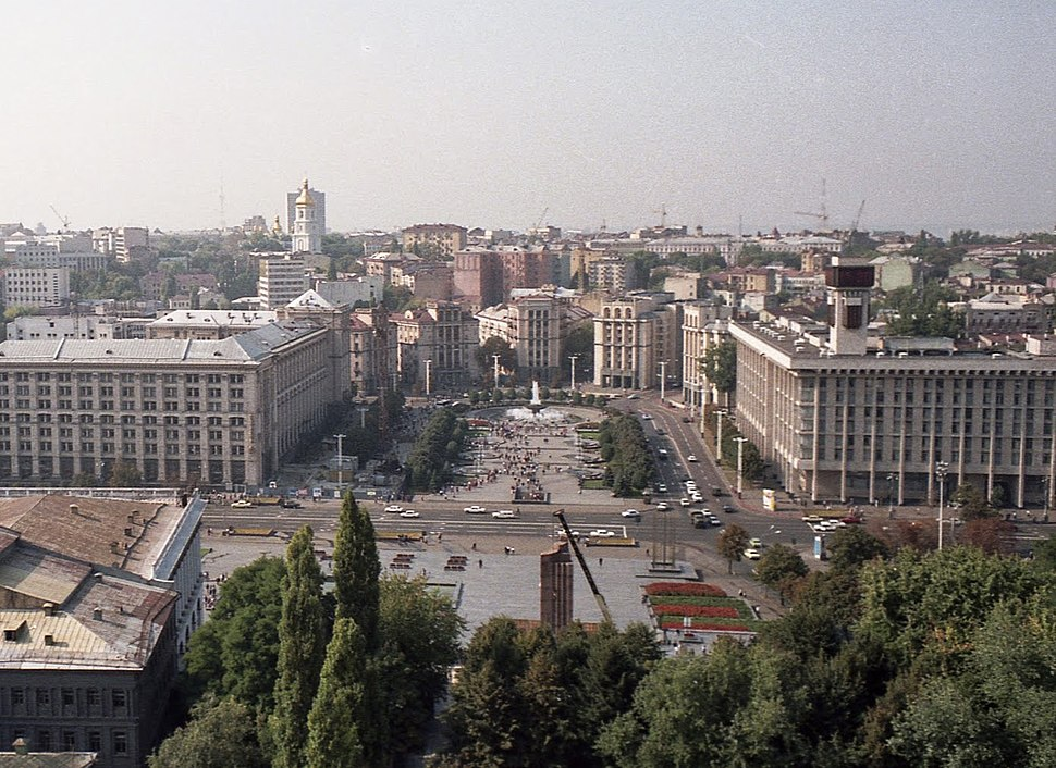 View of Maidan from the Hotel Moscow, September 1991 (after the coup and before independence).