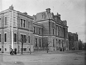 Trams in Perth - The Treasury Building circa 1900–1910.