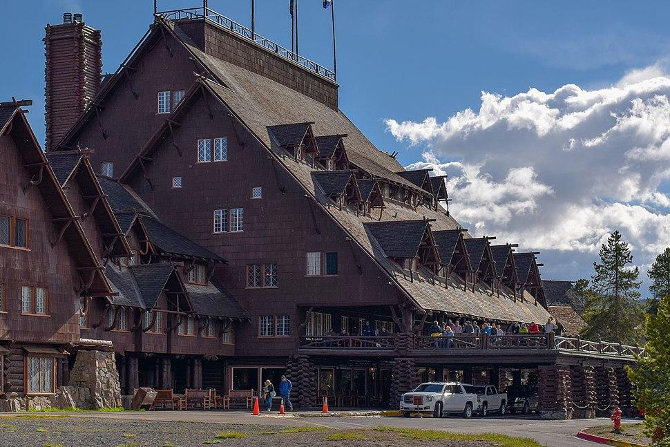 Old faithful inn 2015 yellowstone