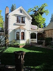 Old house in Murphys, CA.jpg