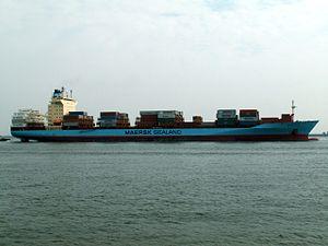 Oluf Maersk approaching Port of Rotterdam, Holland 15-Jul-2005.jpg