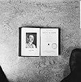 Omslag en schutblad van Nederlandse uitgave van Mein Kampf (Hitler) schutblad, Bestanddeelnr 927-7426.jpg