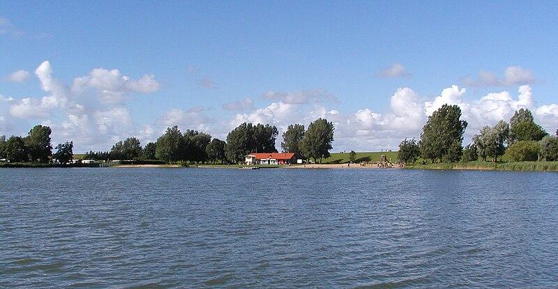 File:Otterndorf -See Achtern Diek- 2005 by RaBoe.jpg