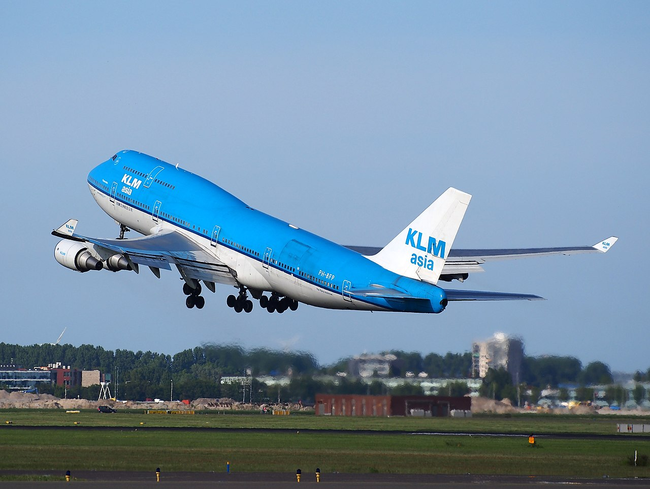 filephbfp klm boeing 747400 takeoff from schiphol ams