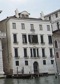 Palazzo correggio.jpg