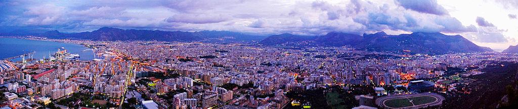 Vue de Palerme depuis le mont Saint Pellegrino à Palerme - Photo de Gabrios1984