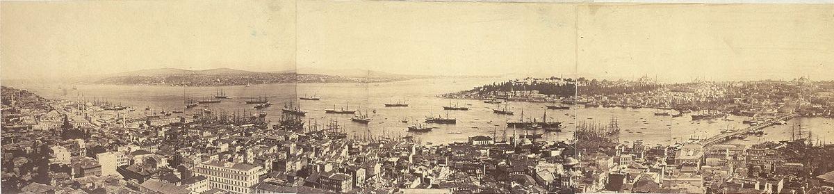 תצלום פנורמי העיר קונסטנטינופול בשנת 1876 (לצפייה הזיזו עם העכבר את סרגל הגלילה בתחתית התמונה)