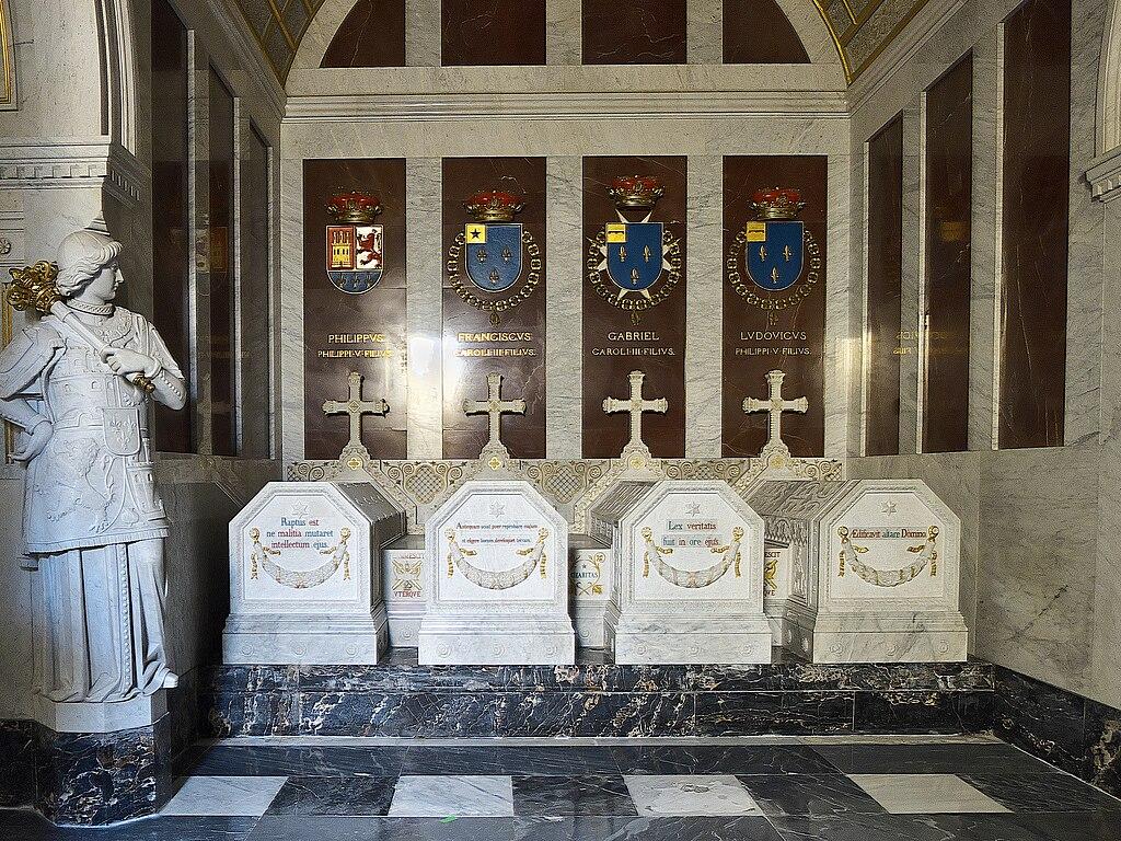 L`ESPAGNE – MOEURS ET PAYSAGES - avec les traditions catholiques de ce pays 1024px-Pante%C3%B3n_de_Infantes._El_Escorial