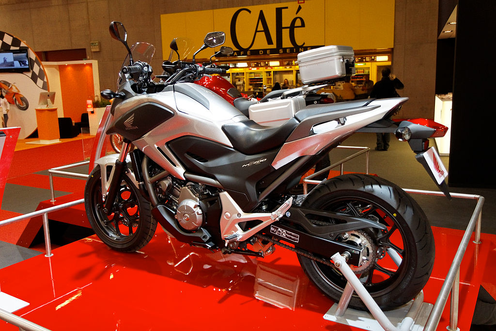 file paris salon de la moto 2011 honda nc 700 x. Black Bedroom Furniture Sets. Home Design Ideas