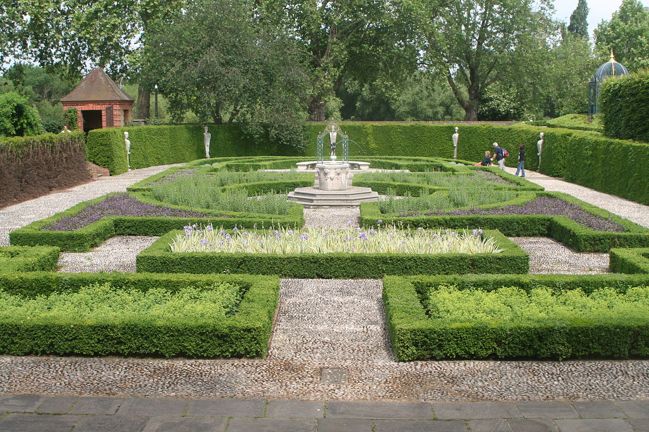 Formal Garden Design not everyone has the space or finances to design and stock a formal garden on this scale but a bit of design thought can go a fairway to achieving your Garden Design With Filepart Of Formal Gardens Kew Palacejpg Wikimedia Commons With