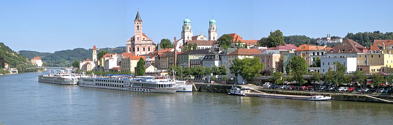 File: Passau Old Town Panorama 5.jpg