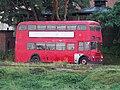 Patrový autobus Leyland u bubenečské čistírny.jpg