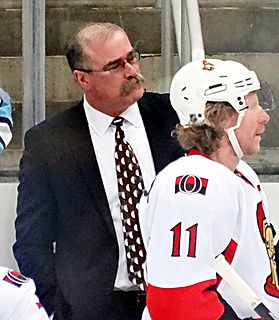 Paul MacLean (ice hockey) Canadian ice hockey player