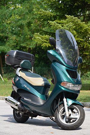 Peugeot Motorcycles - Peugeot Elyséo 125, 'Roland Garros' (2002)