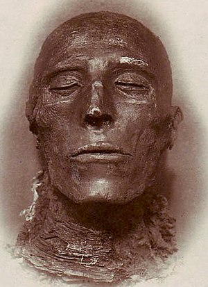 Pharaoh Seti I - His mummy - by Emil Brugsch (1842-1930).jpg