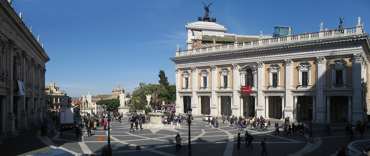 Symbolik rund ums Auge - Seite 2 1560px-Piazza_del_Campidoglio_Rom_2009