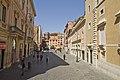 Piazza di San Lorenzo in Lucina - Via del Leoncino - panoramio.jpg