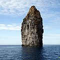 Pietralunga (60m), Isola di Lipari, Italia - panoramio (1).jpg