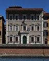 Pisa, palazzo alla giornata 03.jpg