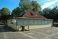 Plantisbyggnaden i Planteringsförbundets park 3525.jpg
