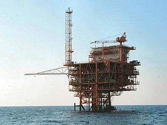 """Italian oil drilling referendum, 2016 - Gas platform """"Annamaria B"""" in the Adriatic Sea off the coast of Ravenna (Emilia-Romagna)"""