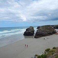 Playa de Las Catedrales Ribadeo.jpg