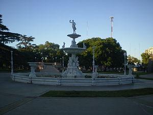 Chivilcoy - Image: Plaza 25 de Mayo Chivilcoy Argentina