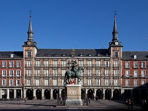 Juan Gómez de Mora - View of the Casa de la Panadería in the Plaza Mayor de Madrid.