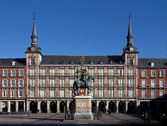 Juan Gómez de Mora - View of the Casa de la Panadería in the Plaza Mayor de Madrid.