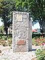 Pomnik na rynku w Opatowcu.jpg