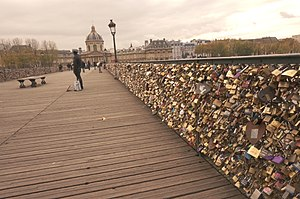 Pont des Arts - Pont des Arts Love locks