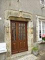 Porche de porte d'entrée a rochefort-en-terre - panoramio.jpg